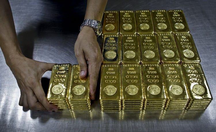 WHAT IS A GOLD BROKER?