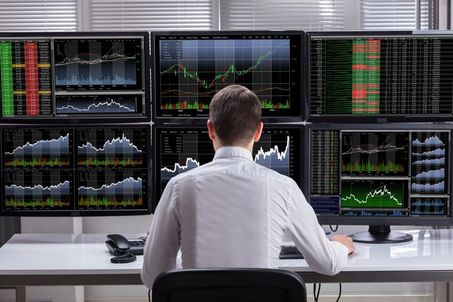 Stock Market Simulator Apps: Are Any Of Them Worth Your Time?